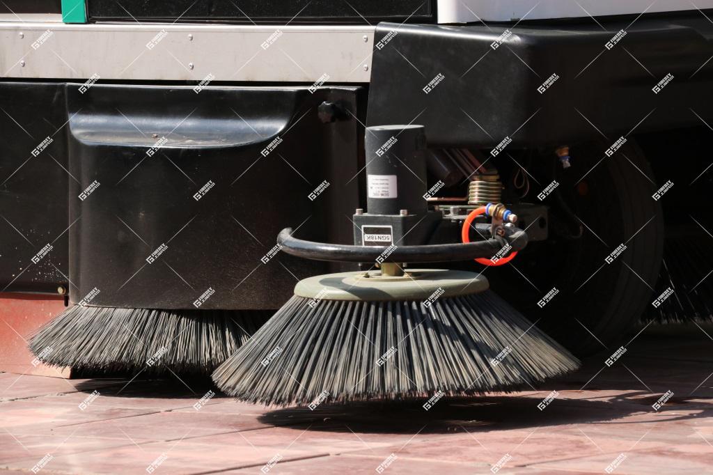 三轮扫地车