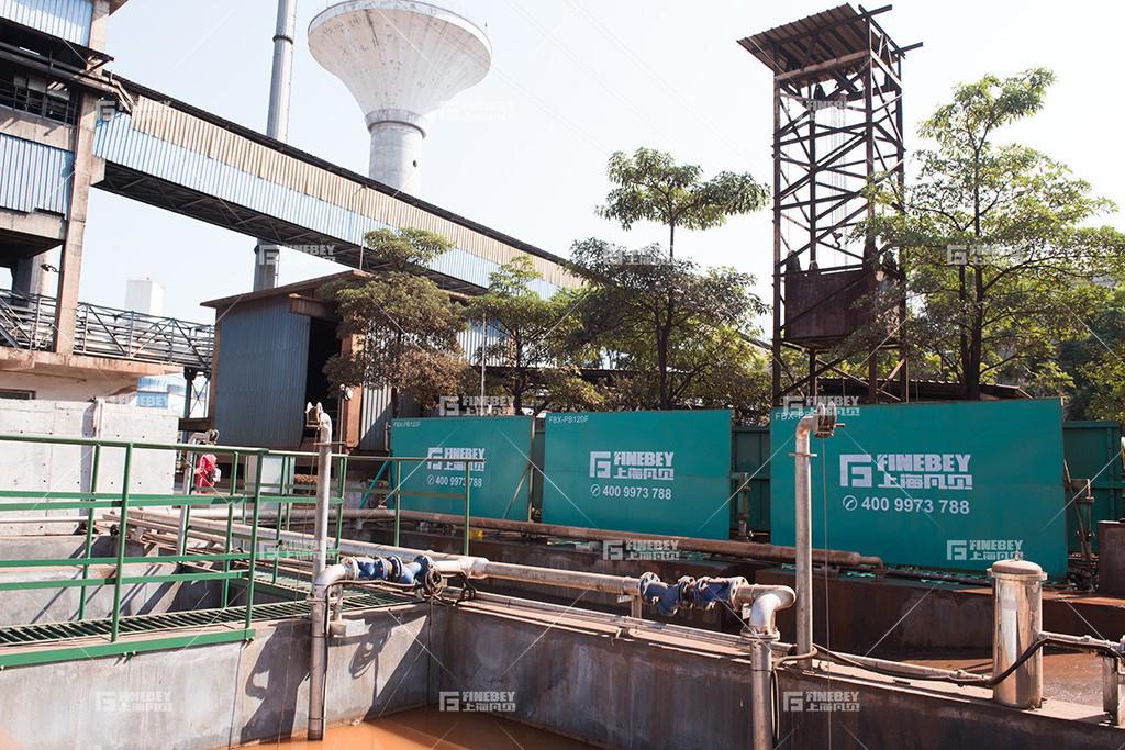 福建三钢集团采用凡贝平板洗车机 大力清洗工程运输车辆