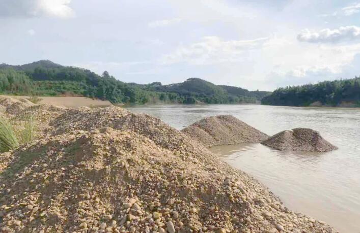 关注   16省市探索河道砂石资源管理改革 河砂统一开采管理成为主流